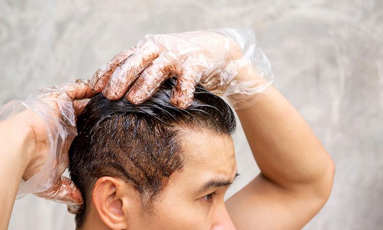 نحوه رنگ کردن موی مردانه در خانه